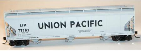 3 Bay Covered Hopper Car, Union Pacific (HO)