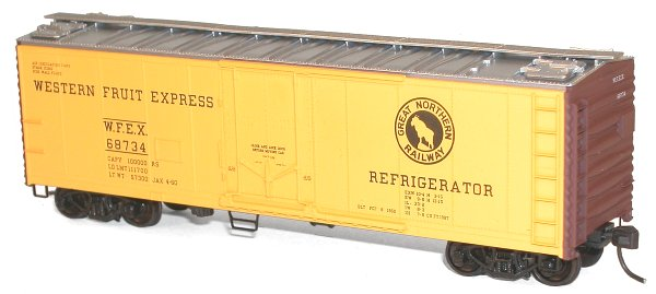 40 Plug Door Steel Refrigerator Car Great Northern/Western Fruit Express (HO), Accurail Model Trains Item Number ACU8505
