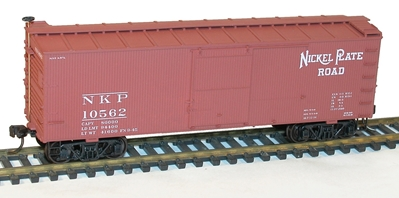 36 Double Sheathed Wood Box Car Kit with Steel Roof Ends and Fishbelly Underframe, Nickel Plate Road #10562, Accurail Model Trains Item Number ACU1302